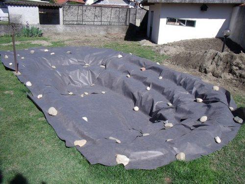 Construire un bassin aquatique de la moine for Grande bache pour bassin